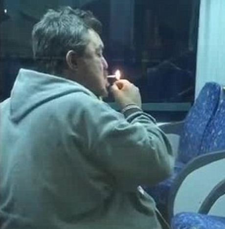 smoker_in_train_gosh