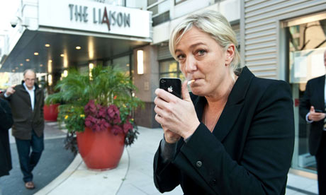 marine_le_pen_smoking